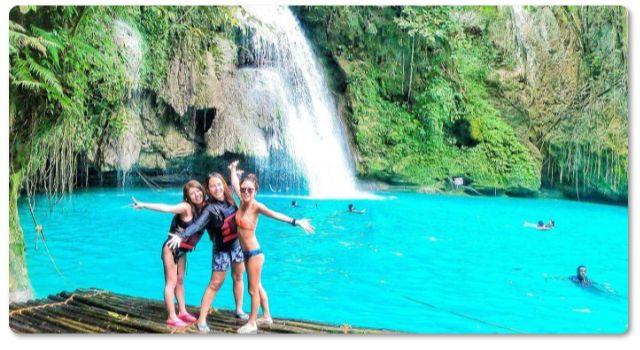 カワサン滝で滝遊び